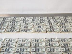 1 milyon 330 bin sahte dolar ele geçirildi