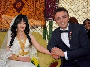 Miting Havasında Düğün