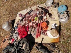 Silah ve el yapımı patlayıcı düzeneği ele geçirildi
