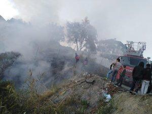 Hakkari'de korkutan anız yangını