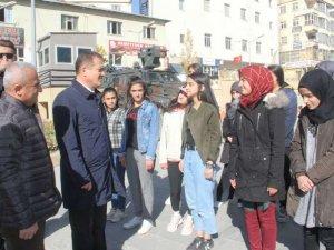 Hakkarili öğrenciler 1 haftalık geziye gönderildi