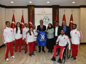 Sümbül spor kulübünden Vali Akbıyık'a ziyaret