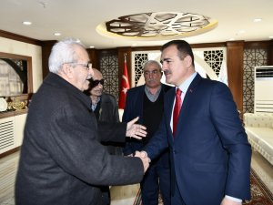 Durankaya'lı vatandaşlardan Vali Akbıyık'a ziyaret