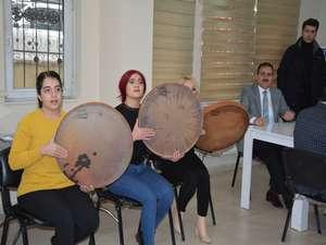 Vali Akbıyık'tan Reng-i Hakkari'ye ziyaret