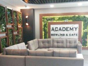 Academy Bowling ve Cafe çalışacak bayan eleman arıyor
