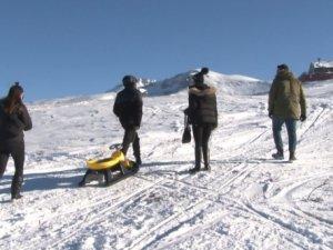 Uludağ'da kayak sezonu açıldı,