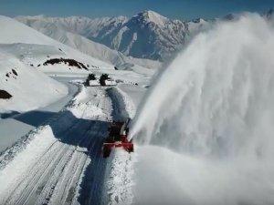 2 bin 800 rakımda karla mücadele çalışması