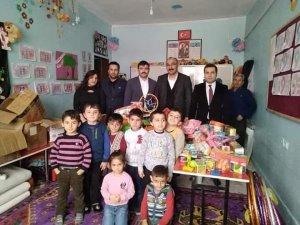 Başkan Dündar minik öğrencilerle bir araya geldi