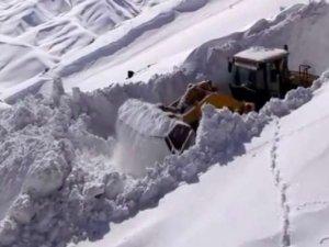 Sınırda karla mücadele çalışması