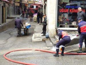 Altay Caddesi tazyikli suyla yıkandı