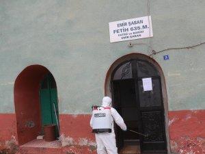 Çukurca'da camiler dezenfekte edildi