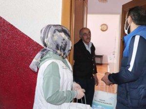 Müdür Gür emekli öğretmenlerle görüştü