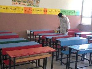 Hakkari'de okullar dezenfekte edildi