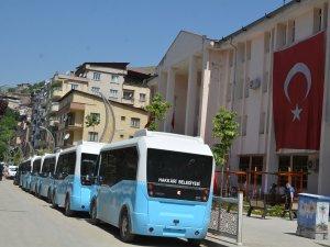 Hakkari belediyesi öğrencileri ücretsiz taşıdı