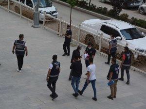 Hakkari'de polis ekipleri denetimleri artırdı