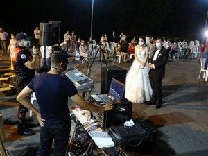 Düğün polisi göreve başladı