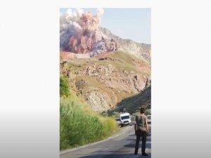 Hakkari-Yüksekova yolunda kontrolü patlama