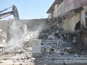 İran Pasajı'nın yıkımına başlandı