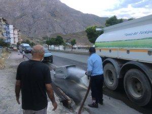 Hakkari'de çöp konteynerleri dezenfekte ediliyor