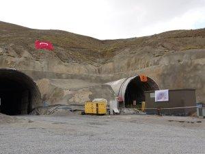 """""""Bu tüneli 2022 yılına girmeden bitireceğiz"""""""