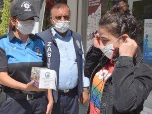 Hakkari'de maske ve sosyal mesafe denetimi sürüyor