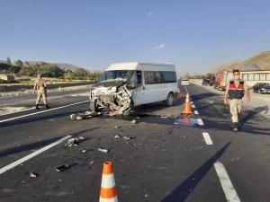 Van-Hakkari yolunda kaza: 1 yaralı
