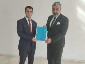 MHP'li Başkan Özbek Mazbatasını aldı