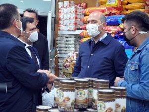Bakan Soylu Yüksekova'da ziyaretlerde bulundu