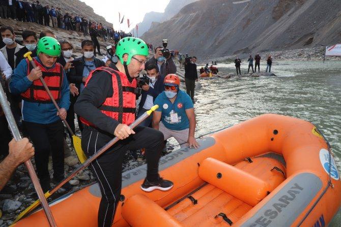 Bakan Kasapoğlu, Zap Nehrinde rafting yaptı