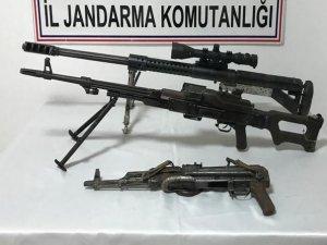 Silah ve patlayıcı ele geçirildi