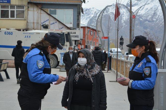 Toplum polisi stant açtı kadınları bilgilendirdi