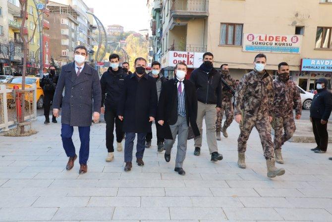 Vali Akbıyık'tan maske denetimi!