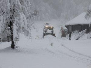 Hakkari belediyesinde karla mücadele çalışması