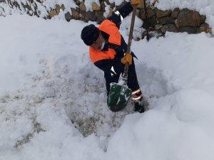 Belediye ekiplerinin karda zor anları
