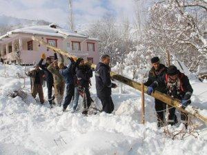 VEDAŞ ekipleri kar mesaisinde