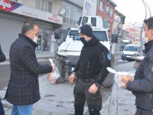 Kızılay'dan polislere çorba ikramı