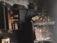 7 nüfuslu ailenin evi yangında kül oldu