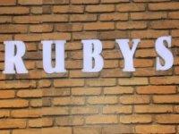 """Hakkari'de """"RUBYS"""" Giyim Mağazası Açıldı"""