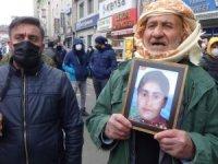 Hakkari HDP önünde evlat nöbeti!