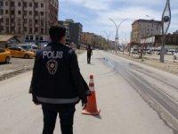 Polis ekipleri kısıtlama denetimi yaptı