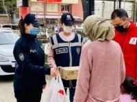 Van Polisinden Ramazan Yardımı