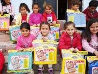 Köy Okullarına kırtasiye malzemesi dağıtıldı