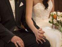 Damat kaçınca başka konukla evlendi