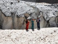 20 bin yıllık buzullar görenleri büyülüyor