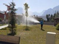 Hakkari'de park ve bahçeler ilaçlandı