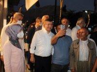 Davutoğlu, Hakkari'de ziyaretlerde bulundu