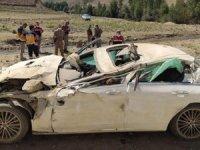 Van-Hakkari yolunda trafik kazası 2 ölü, 1 yaralı