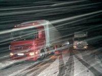 Kar ve tipi nedeniyle yol kapandı