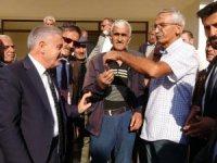 Başkan Özbek, açılışı vatandaşa yaptırdı