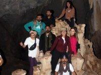 Mağaradaki sarkıt ve dikitler dağcıları şaşırttı